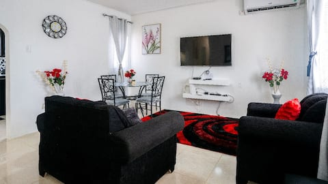 """""""Home -felt Two bedroom vacation home in Portmore"""""""