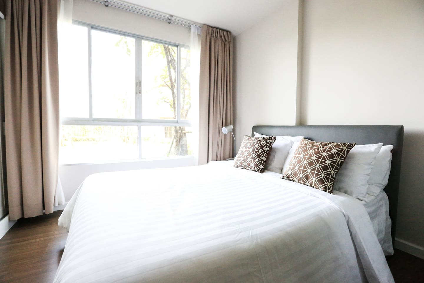 Self catering condo in Kathu