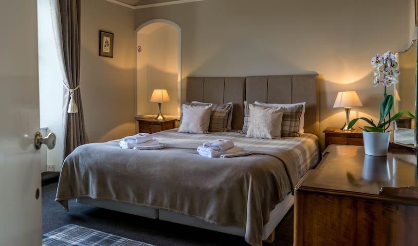 Loch Riddon king size room from Tregortha B&B