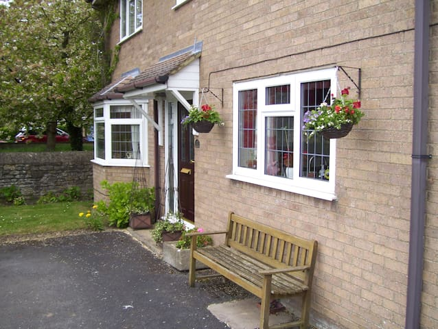 Double room in rural location.(Long stay discount) - Titchmarsh - Casa