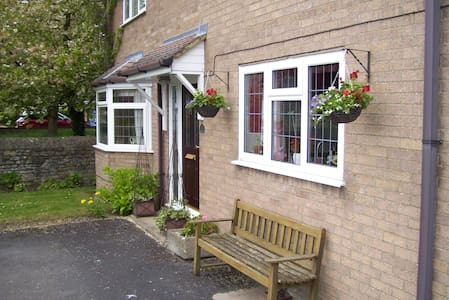 Double room in rural location.(Long stay discount) - Titchmarsh - Haus