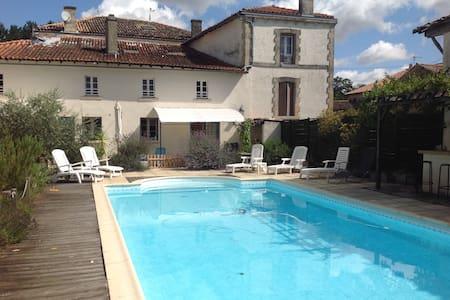 Le Vieux Grenier - Celles-sur-Belle - Apartmen