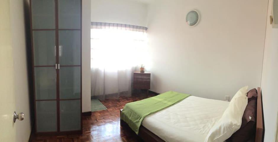 Quiet Hideout in TTDI, KL (Room B) - Kuala Lumpur - Casa