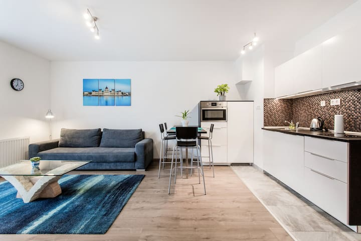NEW, TRENDY apartment, with TERRACE