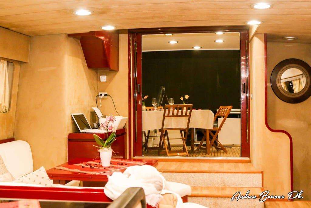 Charter c bab cabina ospiti barche in affitto a cavi for Affitto di cabina vicino a montreal