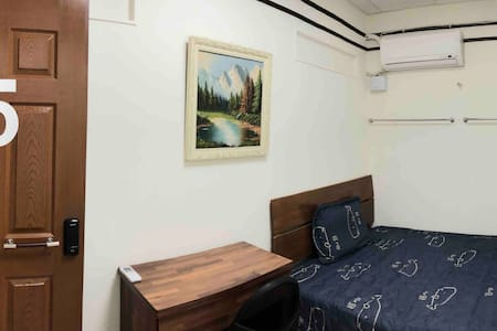 5 Breeze Deluxe  room 1 double bed  豪華房間 1 張大床