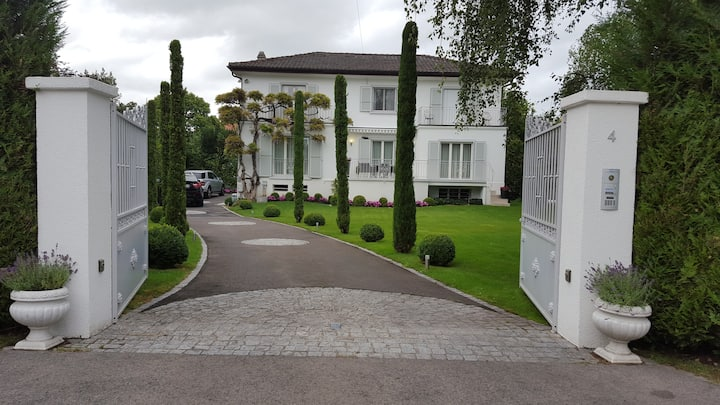 house in coppet