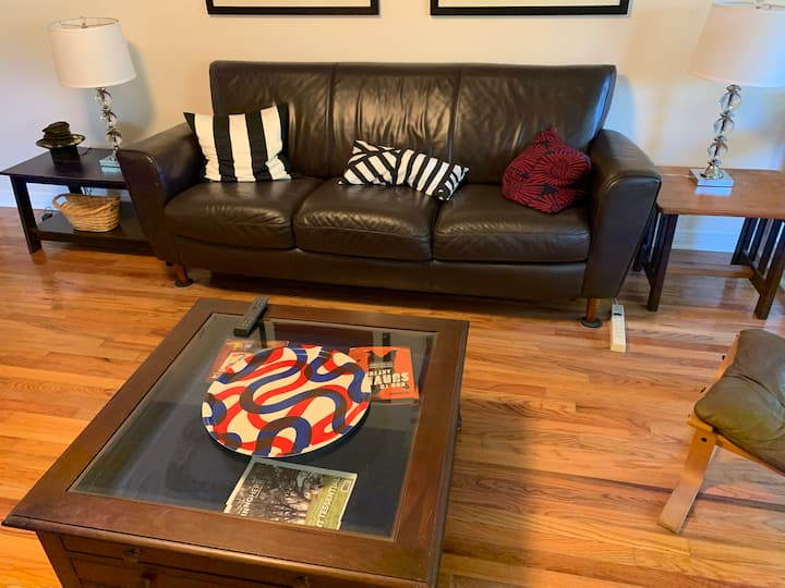 Midtown West Centrally Located 3/2 House