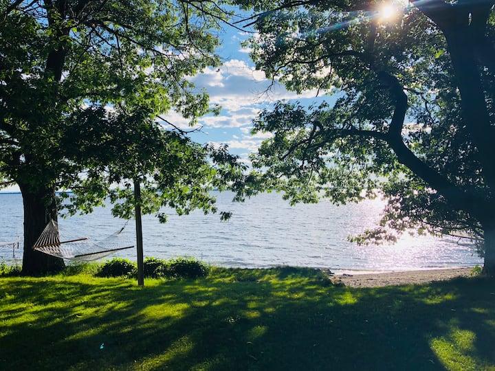 5 bedroom Maquam Shore Lakefront