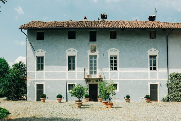 """""""Il Palazzo"""""""