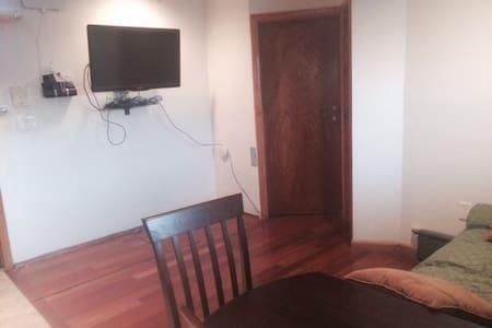 Sunny JC Heights Apt. plus location - Jersey City - Apartment