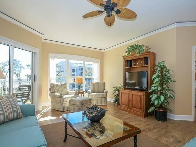 5303 Hampton Place Oceanfront Complex ~ Just steps from the Beach!
