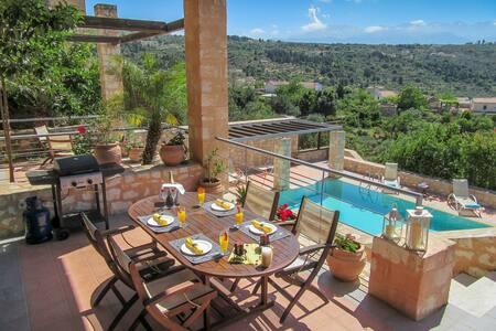 Alkyoni - luxury stone built villa private pool - Gavalochori - Rumah