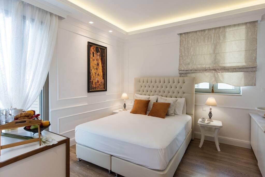 Klimt suite.