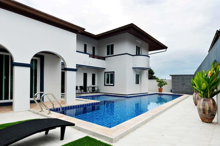 Siam Luxury Villa. 4-bed pool house. Jomtien Beach