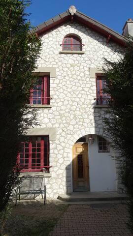 Très belle maison meunière à 2 pas de Paris - Châtillon