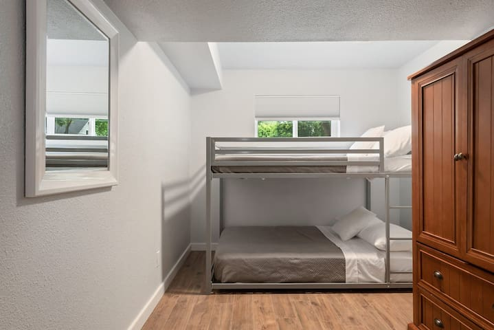 Fourth Bedroom (Downstairs) w/Two Full Beds