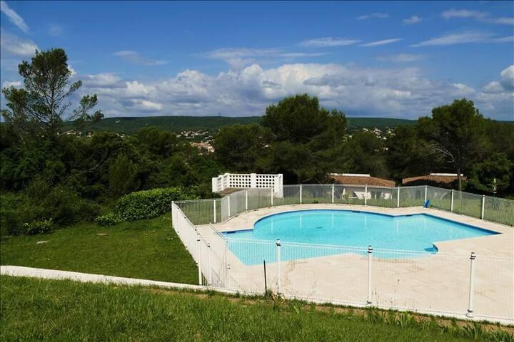 Appartement calme piscine 10 min de montpellier