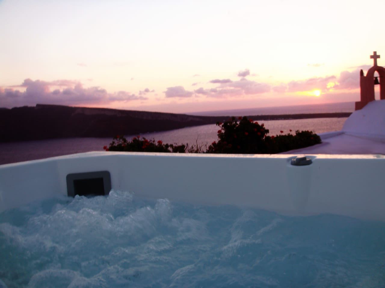 Amoudi Villas Sunset Chaser Sea View Jacuzzi Villas For Rent In Oia Egeo