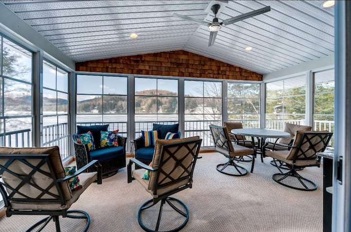 Waterfront Cottage with Hot Tub. January Specials!