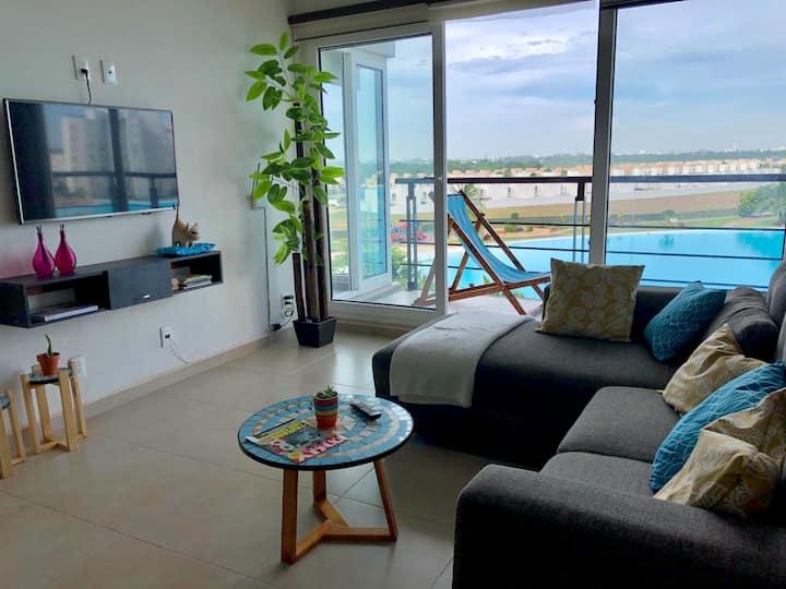 Confortable departamento en Laguna artificial