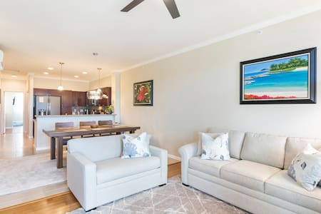 Fully Furnished Executive 2bd/2br Condo (30+ Days)