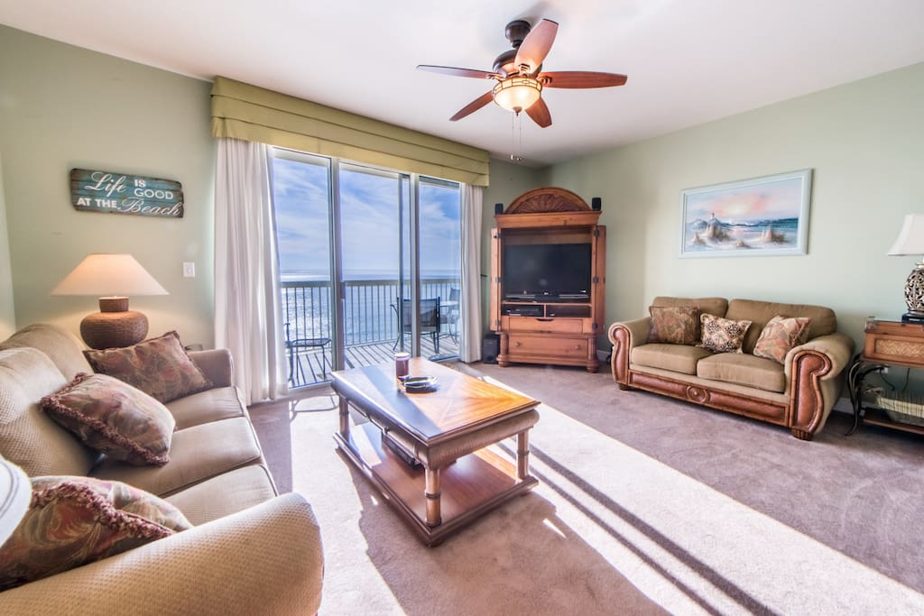 Spacious living room plenty of room to enjoy the view