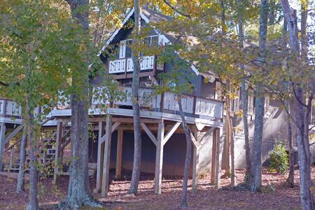 Pine Mountain Club Chalets - Three Bedroom Lakefront #88 - Not Pet Friendly