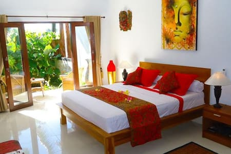 Chill 4bedrooms villa shared Canggu