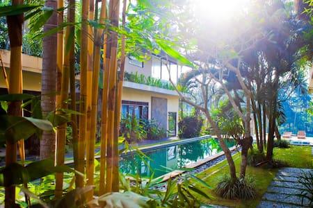 The Great Villa Roulette! - Ubud