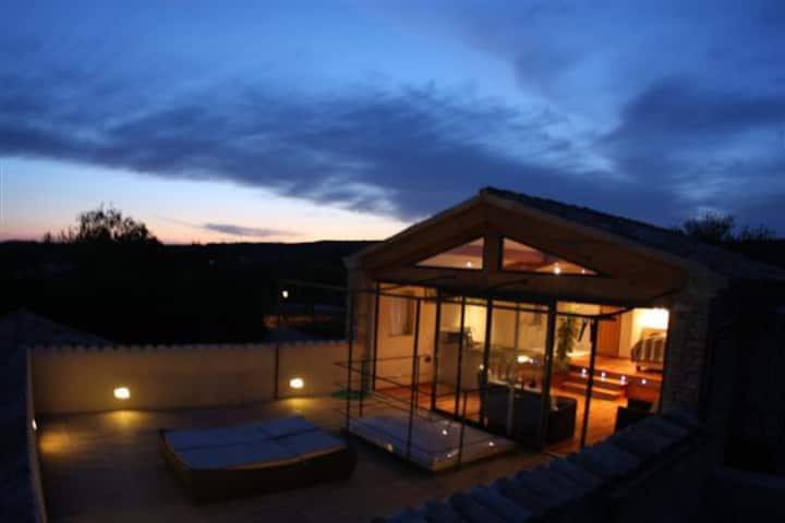 Loft Solarium , acces piscine intérieure