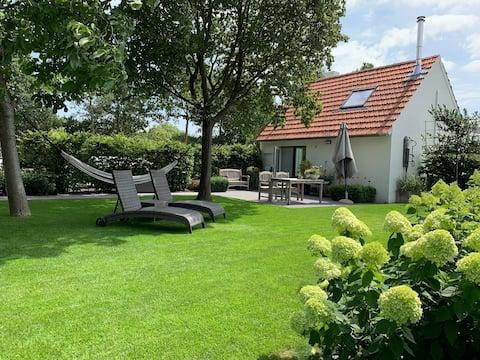 Luxe vrijstaand vakantiehuis met privétuin/terras.