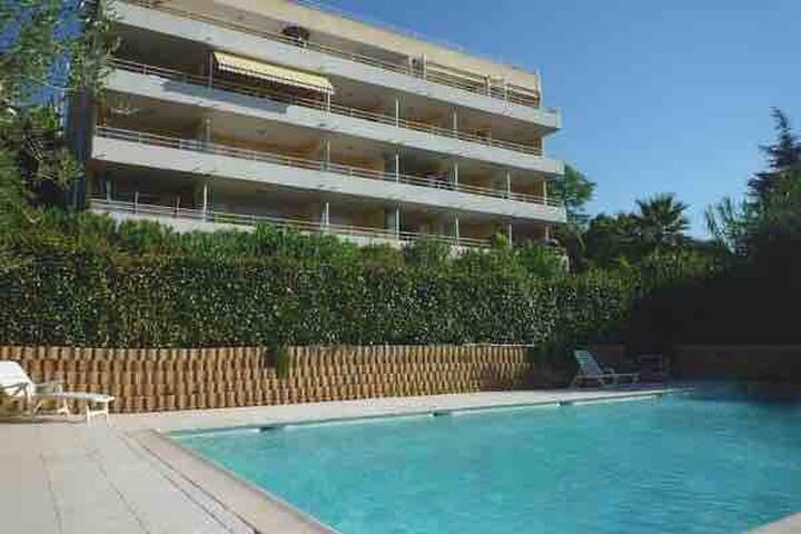 Nice ouest, 2P Neuf, garage fermé, piscine