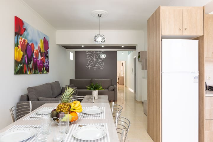 Sunny brand new apt only 250m. from the beach!
