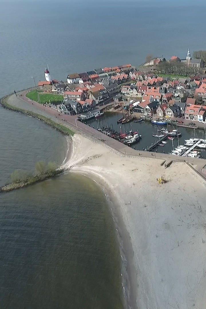 Oud Urk, strand en haven