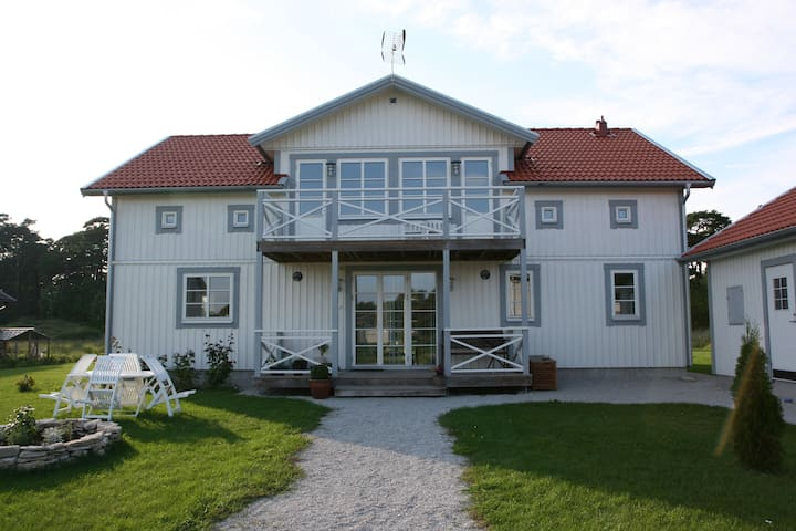 Comfortable house w all amenities - Visby - Huis