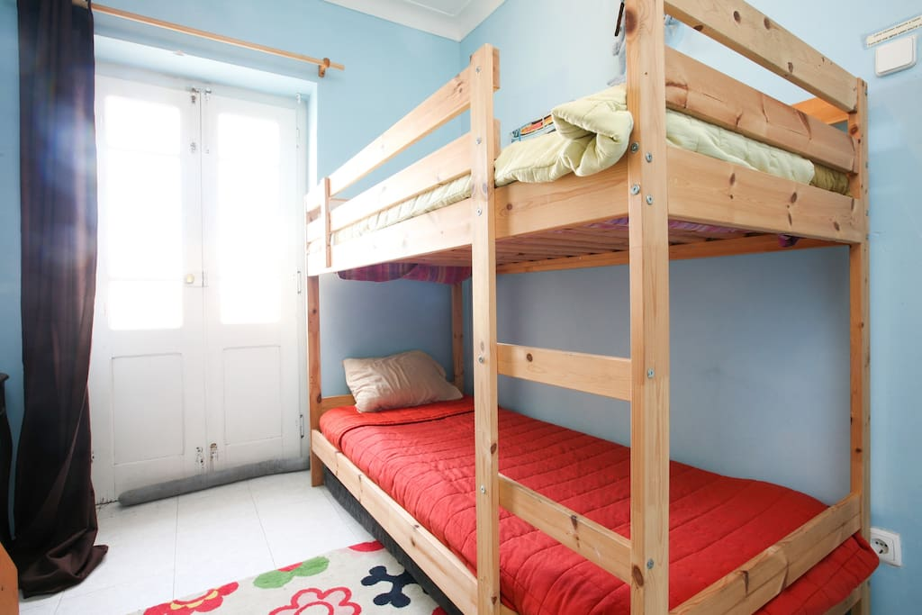 Large bunk for two! room with balcany were you can dry your owns, and see the stars ;))