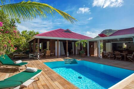 Villa privé, très calme , avec vue mer