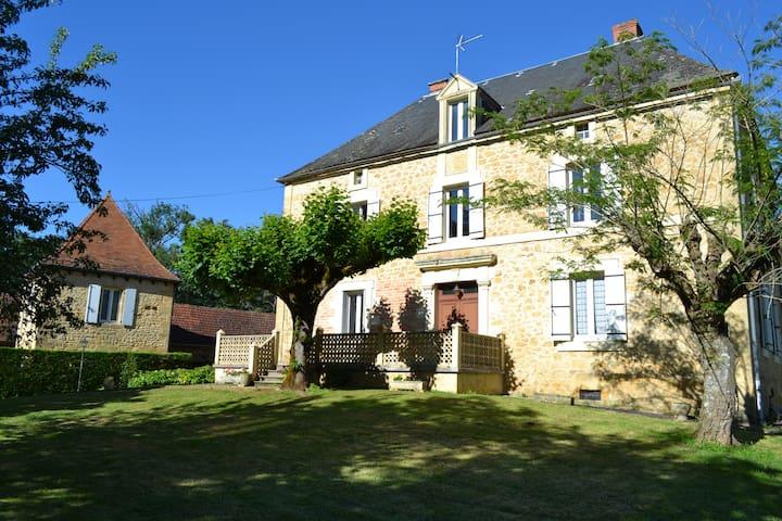 Chbre Cosy, PDJ ,WIFI entre  Sarlat /Rocamadour
