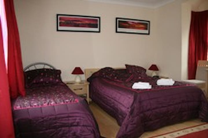6 Family room that sleeps 5 - Crawley - Bed & Breakfast