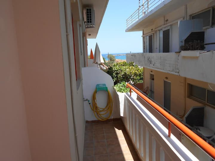 Studio with Aptera beach side sea view for 2 pers