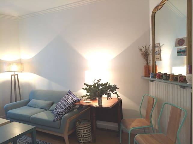 Cosy and bright one-bedroom near Père Lachaise