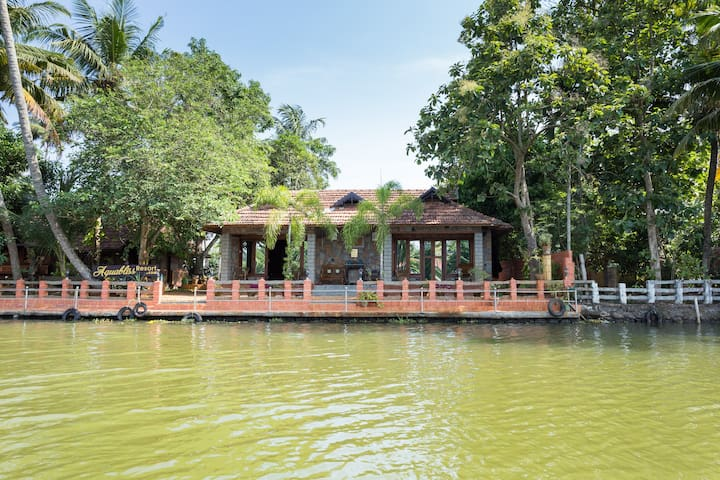PAMBA View'-Royal river-front suite-102