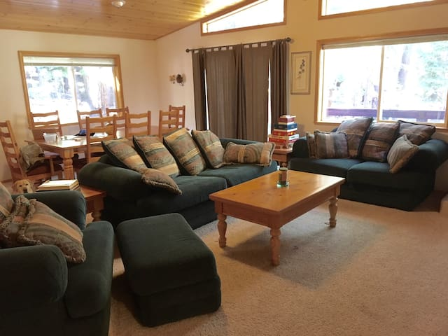 3 BD Tahoe Donner home for mountain retreats