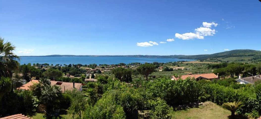 Spectacular view of Bracciano lake! - Trevignano Romano - Apartment