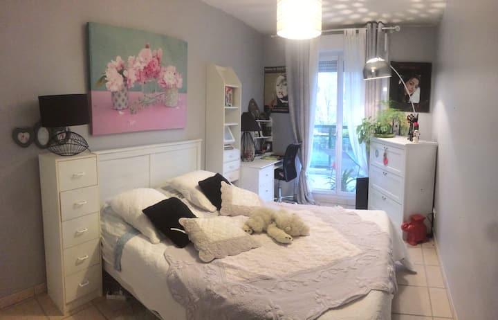 Chambre dans belle résidence à Tassin
