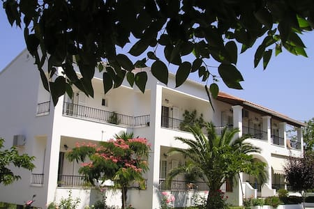 1 bedroom apartment for 2-3p - Paralia Ermones