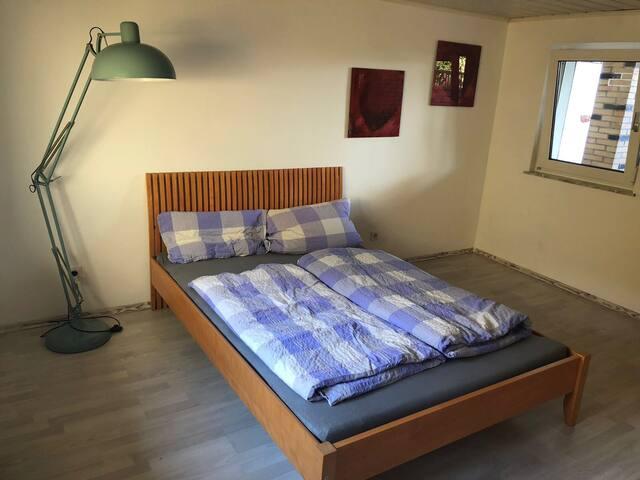 Schlafzimmer Nummer 1-Sleeping room number 1