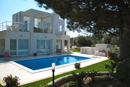 Sicilian Design Villa - Punta Braccetto - Casa de camp