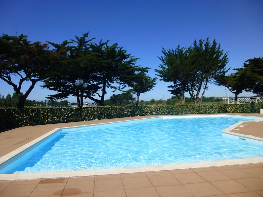 Maison les marines r sidence avec piscine cottages for for La piscine translation